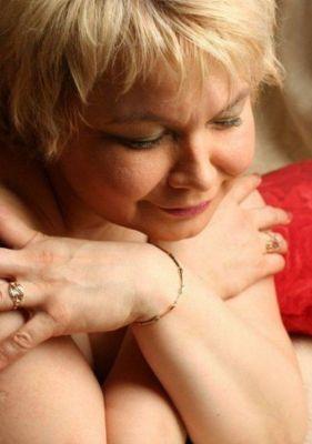 Мадам Кураж Вирт, 50 лет — минет в машине